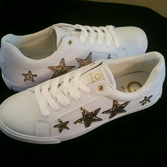 white tennis shoes with stars